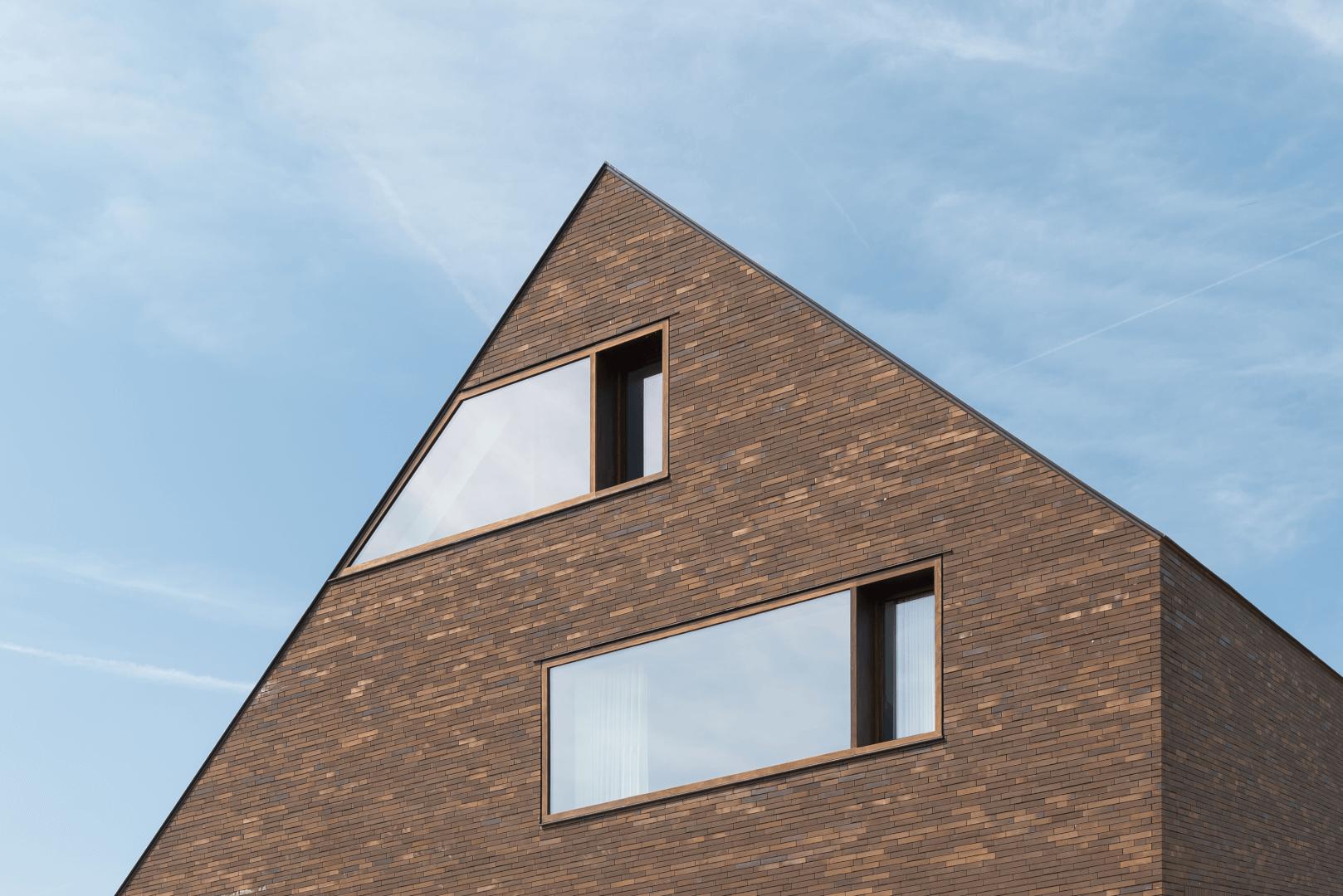 846 | HOUSE DBV